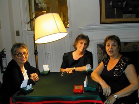 Sandra Barindelli , Adela Estrada y Adriana Catelli